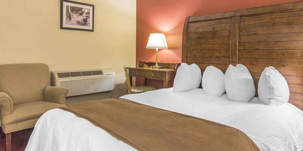 One or Two Night Stay in Huntsville